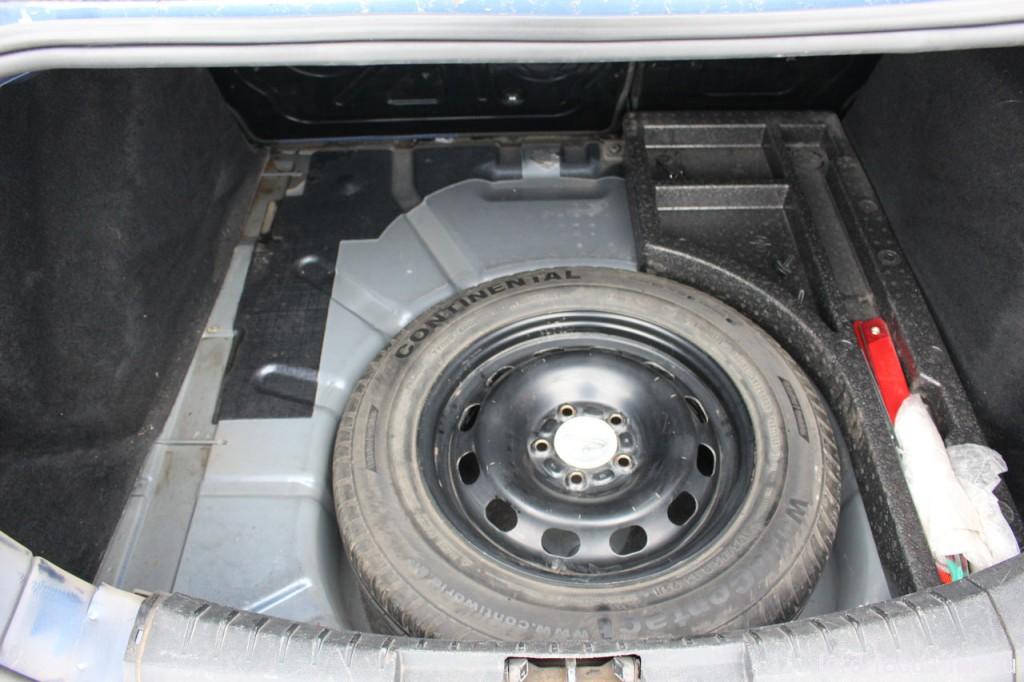 органайзер багажника и запаска форд фокус 2