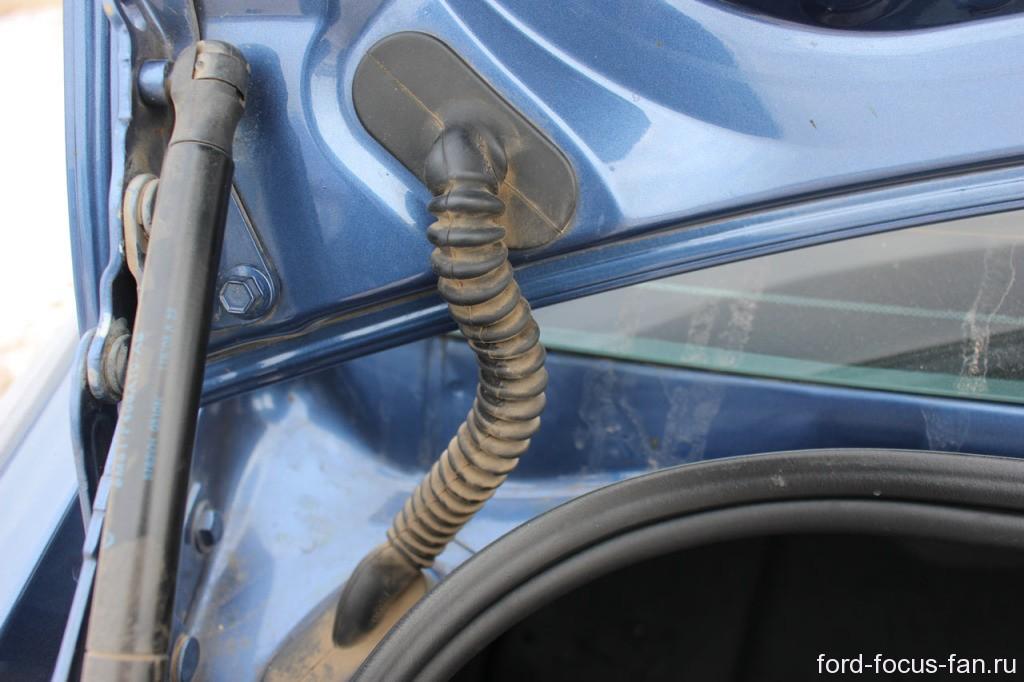 не открывается багажник форд фокус