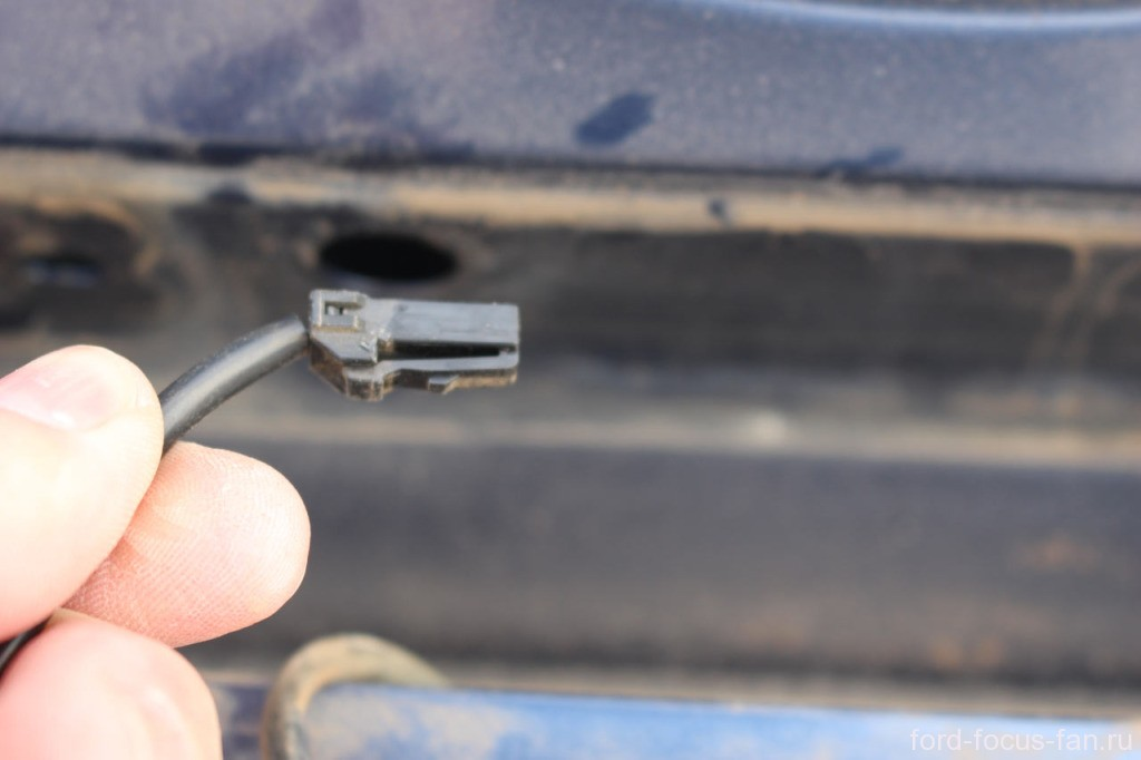 разъем кнопки багажника форд