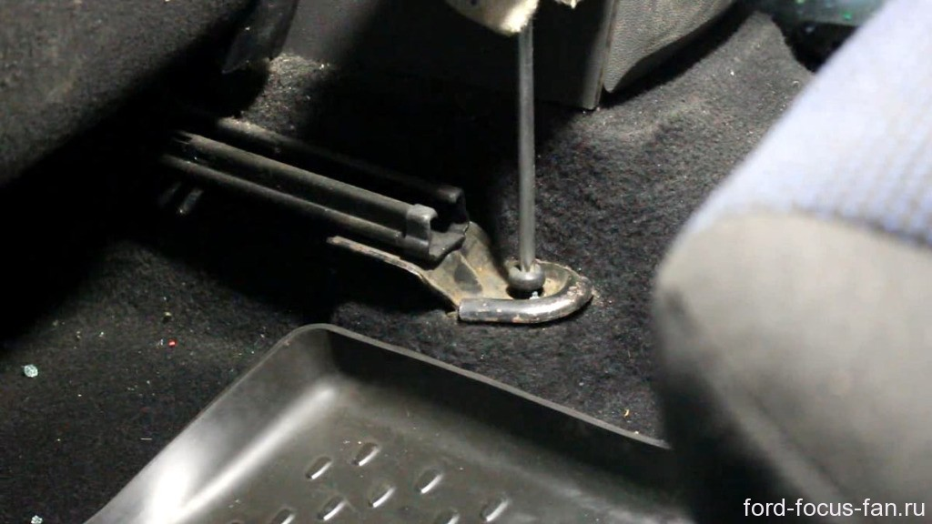 как снять переднее сидение форд фокус 2