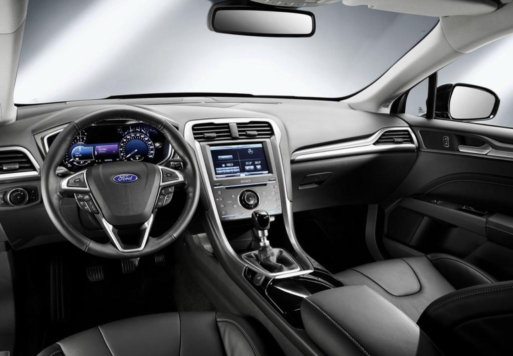 салон нового форд мондео 2015