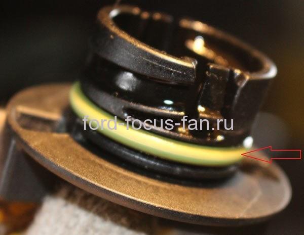 Проверьте резиновое уплотнительное кольцо