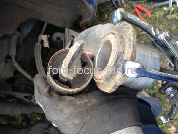 Замена салонблока Форд Фокус 2